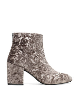 THE BACARI BOOTIE